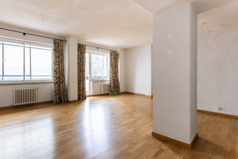 Apartment for sale in Madrid, Spain, 3 bedrooms, 168.00m2, No. 2301 – photo 3