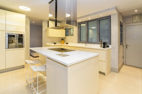Apartment for sale in Madrid, Spain, 3 bedrooms, 322.00m2, No. 2564 – photo 14