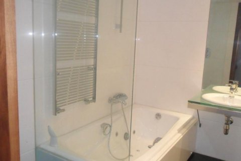 Apartment for rent in Madrid, Spain, 2 bedrooms, 165.00m2, No. 1459 – photo 2