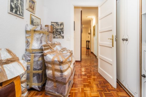 Apartment for sale in Madrid, Spain, 3 bedrooms, 78.00m2, No. 2330 – photo 27