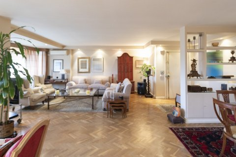 Apartment for sale in Madrid, Spain, 3 bedrooms, 227.00m2, No. 1943 – photo 5