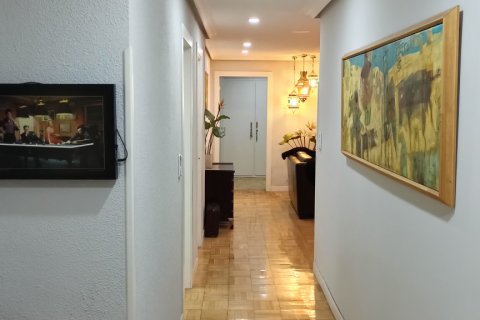 Apartment for rent in Madrid, Spain, 3 bedrooms, 170.00m2, No. 2047 – photo 9