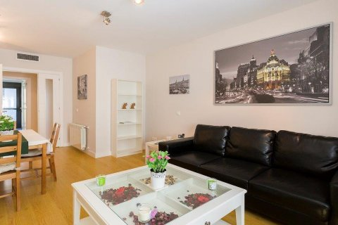 Apartment for rent in Madrid, Spain, 2 bedrooms, 94.00m2, No. 2216 – photo 6