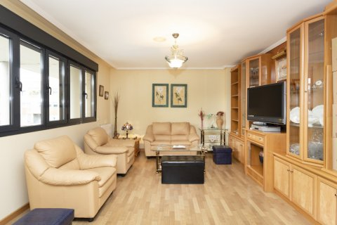 Apartment for sale in Getafe, Madrid, Spain, 4 bedrooms, 242.00m2, No. 2480 – photo 3
