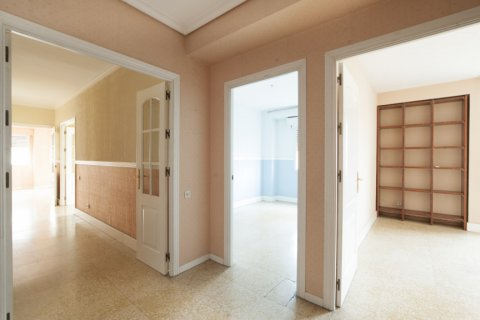 Apartment for sale in Sevilla, Seville, Spain, 5 bedrooms, 204.00m2, No. 2637 – photo 22