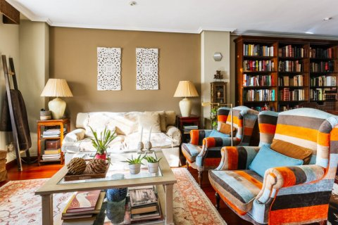 Apartment for sale in Madrid, Spain, 4 bedrooms, 152.00m2, No. 2702 – photo 6