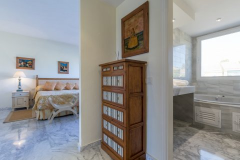 Penthouse for sale in Atalaya-Isdabe, Malaga, Spain, 3 bedrooms, 271.15m2, No. 1723 – photo 12