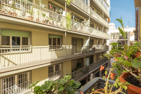 Apartment for sale in Malaga, Spain, 5 bedrooms, 181.00m2, No. 2193 – photo 16