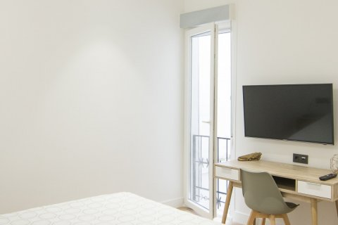 Apartment for sale in Madrid, Spain, 5 bedrooms, 184.00m2, No. 1948 – photo 7