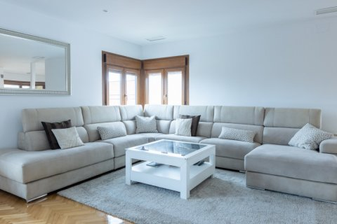 Duplex for sale in Madrid, Spain, 5 bedrooms, 216.00m2, No. 2360 – photo 13