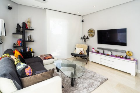 Penthouse for sale in Madrid, Spain, 3 bedrooms, 183.00m2, No. 2215 – photo 1