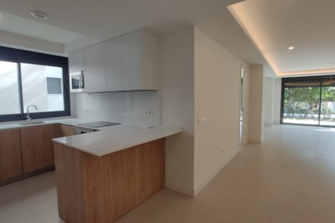 Apartment for rent in Marbella, Malaga, Spain, 2 bedrooms, 140.00m2, No. 2711 – photo 4