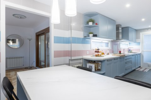 Duplex for sale in Madrid, Spain, 5 bedrooms, 216.00m2, No. 2360 – photo 22