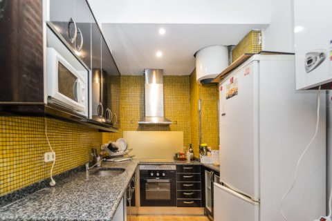 Apartment for sale in Madrid, Spain, 4 bedrooms, 160.00m2, No. 1471 – photo 29