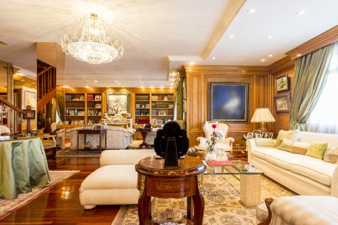 Duplex for sale in Madrid, Spain, 5 bedrooms, 514.00m2, No. 1493 – photo 24