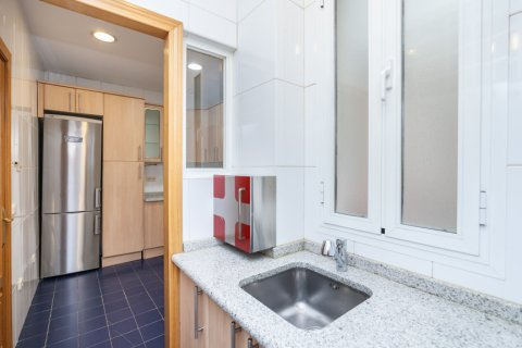 Apartment for rent in Madrid, Spain, 2 bedrooms, 120.00m2, No. 1464 – photo 13