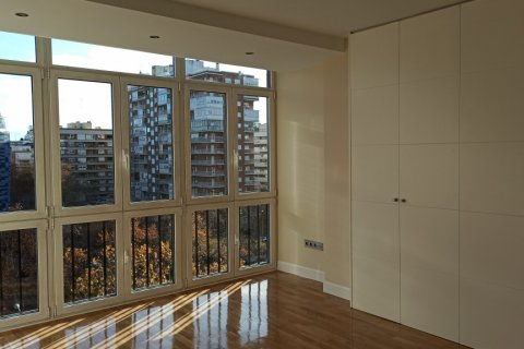 Apartment for rent in Madrid, Spain, 5 bedrooms, 275.00m2, No. 1988 – photo 21