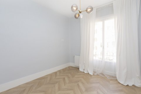 Apartment for sale in Madrid, Spain, 3 bedrooms, 69.00m2, No. 2315 – photo 11