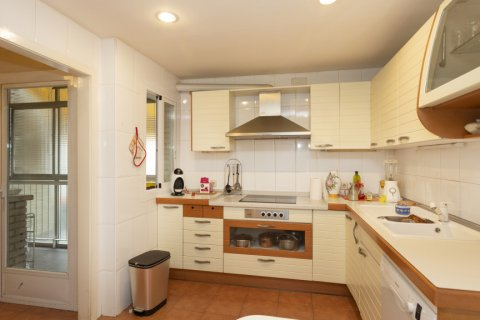 Apartment for sale in Madrid, Spain, 5 bedrooms, 322.00m2, No. 2584 – photo 12