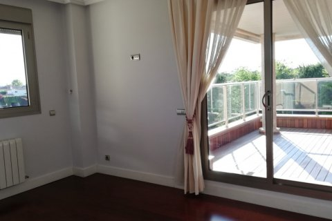 Duplex for rent in Madrid, Spain, 5 bedrooms, 300.00m2, No. 1844 – photo 13