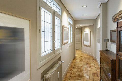 Apartment for sale in Madrid, Spain, 6 bedrooms, 512.00m2, No. 1995 – photo 9