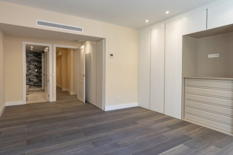 Apartment for sale in Madrid, Spain, 4 bedrooms, 290.00m2, No. 2043 – photo 15