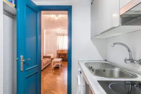 Apartment for sale in Madrid, Spain, 2 bedrooms, 60.00m2, No. 2374 – photo 12