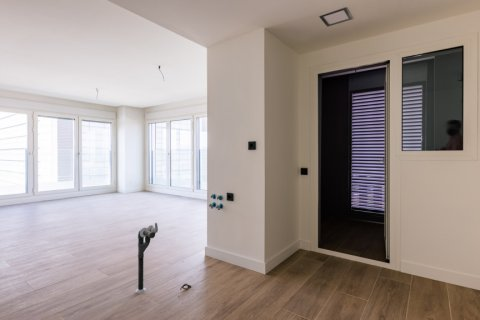 Apartment for sale in Madrid, Spain, 3 bedrooms, 168.00m2, No. 2464 – photo 8