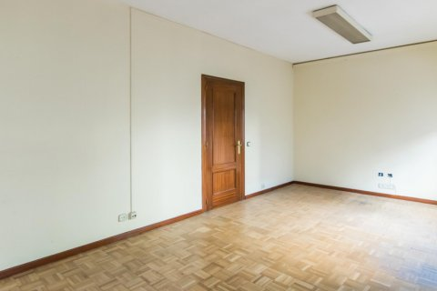 Apartment for sale in Madrid, Spain, 4 bedrooms, 261.00m2, No. 1652 – photo 17