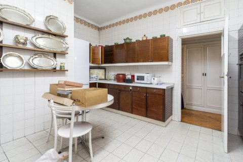 Apartment for sale in Madrid, Spain, 5 bedrooms, 168.00m2, No. 2313 – photo 27