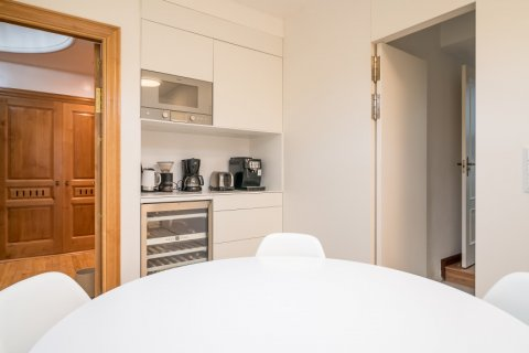 Apartment for sale in Madrid, Spain, 5 bedrooms, 384.00m2, No. 2372 – photo 20