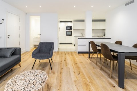 Apartment for rent in Madrid, Spain, 2 bedrooms, 150.00m2, No. 2395 – photo 3