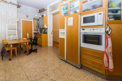 Apartment for sale in Madrid, Spain, 4 bedrooms, 426.00m2, No. 1733 – photo 19