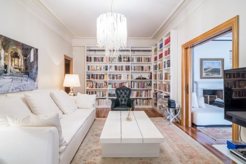Apartment for sale in Madrid, Spain, 5 bedrooms, 384.00m2, No. 2372 – photo 5
