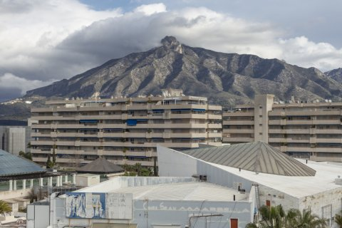 Penthouse for sale in Marbella, Malaga, Spain, 2 bedrooms, 135.73m2, No. 2019 – photo 2