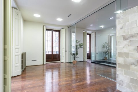 Apartment for sale in Madrid, Spain, 2 bedrooms, 234.00m2, No. 1985 – photo 10