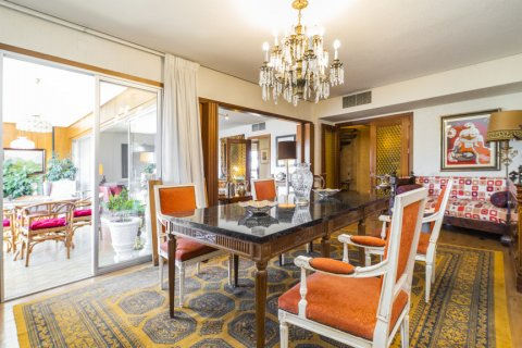 Apartment for sale in Madrid, Spain, 6 bedrooms, 414.00m2, No. 2470 – photo 7