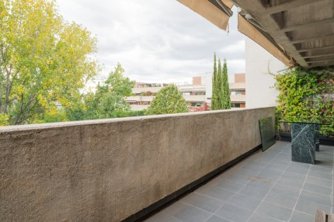 Duplex for sale in Madrid, Spain, 3 bedrooms, 160.00m2, No. 2326 – photo 14