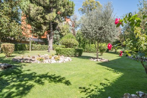 Apartment for sale in Madrid, Spain, 6 bedrooms, 291.00m2, No. 2275 – photo 30