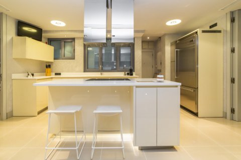 Apartment for sale in Madrid, Spain, 3 bedrooms, 322.00m2, No. 2564 – photo 13