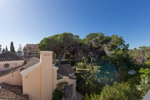 Penthouse for rent in Puerto Banus, Malaga, Spain, 4 bedrooms, 695.00m2, No. 1949 – photo 16