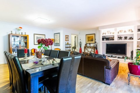 Apartment for sale in Madrid, Spain, 4 bedrooms, 202.00m2, No. 2710 – photo 10