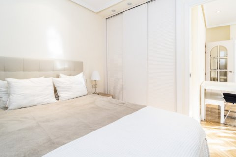 Apartment for sale in Madrid, Spain, 2 bedrooms, 80.00m2, No. 2516 – photo 18