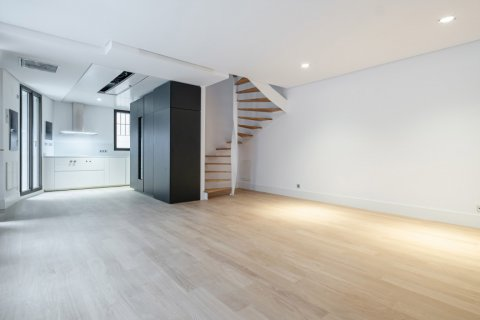 Apartment for sale in Madrid, Spain, 2 bedrooms, 157.00m2, No. 2070 – photo 3