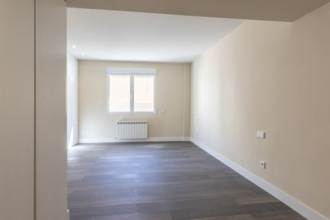 Apartment for sale in Madrid, Spain, 4 bedrooms, 290.00m2, No. 2043 – photo 10