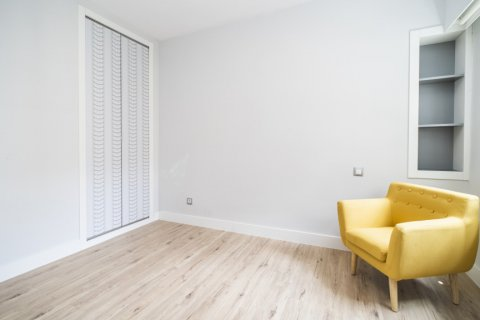 Apartment for sale in Madrid, Spain, 4 bedrooms, 160.00m2, No. 2590 – photo 24