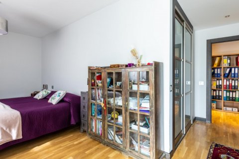 Apartment for sale in Madrid, Spain, 5 bedrooms, 201.00m2, No. 2311 – photo 23