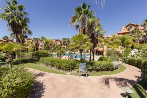 Penthouse for sale in Estepona, Malaga, Spain, 1 bedroom, 73.00m2, No. 2310 – photo 17