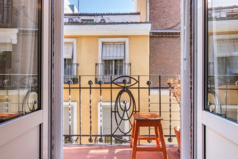 Apartment for sale in Madrid, Spain, 2 bedrooms, 68.00m2, No. 2384 – photo 30