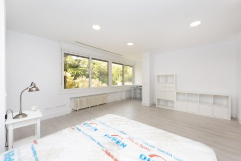 Apartment for sale in Madrid, Spain, 4 bedrooms, 218.00m2, No. 2124 – photo 21